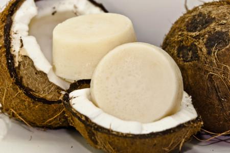 18 مزیت صابون نارگیل برای زیبایی پوست و مو