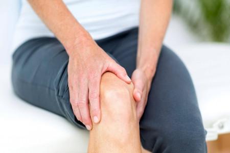 از علل درد زانو و درمان های خانگی آن چه می دانید؟
