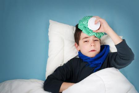 10 درمان خانگی تب بالا در کودکان