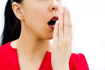 21 درمان خانگی رفع بوی بد دهان