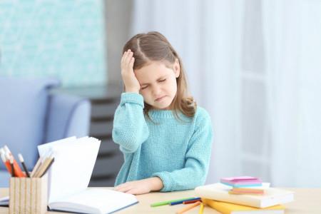 علائم و درمان میگرن در کودکان