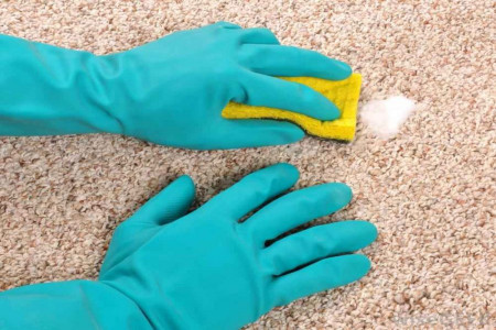 چگونه لکه های سخت را از روی فرش پاک کنیم ؟