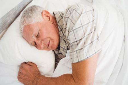 ریشه یابی و درمان مشکلات خواب سالمندان