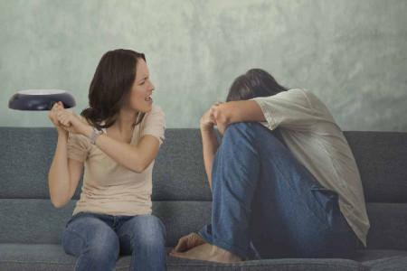 چگونه زن ذلیل نباشیم ؟ 9 علائم بارز زن ذلیل بودن