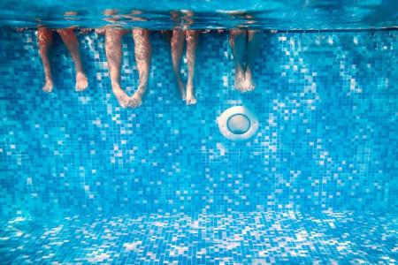 تعبیر خواب شنا کردن و آبتنی : شناکردن در خواب نشانه چیست ؟