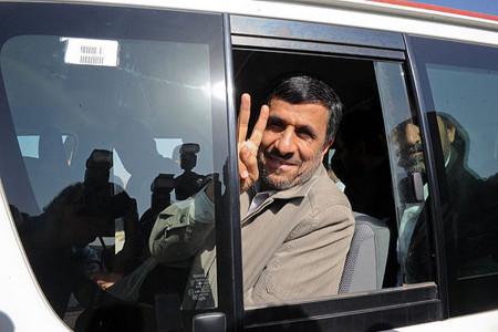 محمود احمدینژاد در عصر جدید احسان علیخانی