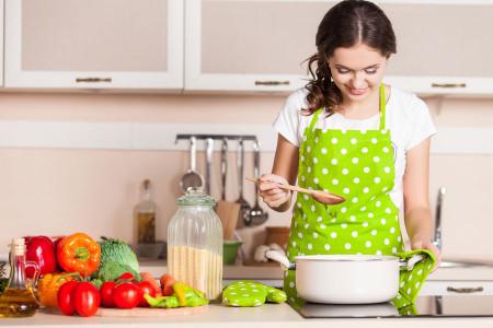 تعبیر خواب آشپزی : 35 نشانه و تفسیر دیدن خواب پختن انواع غذا