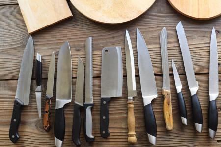 تعبیر خواب چاقو : 32 نشانه و تفسیر دیدن چاقو در خواب