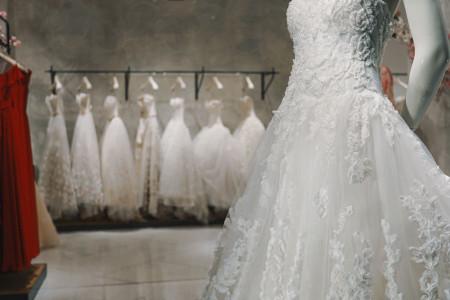 تعبیر خواب لباس عروس : 20 نشانه و تفسیر دیدن لباس عروسی در خواب