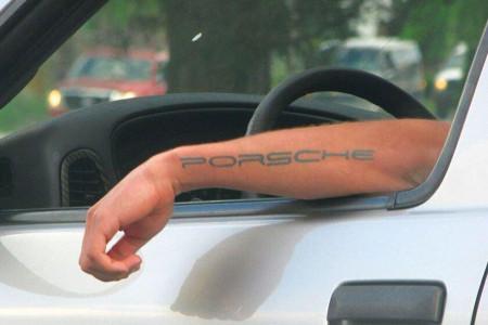 خالکوبی نامتعارف مانع صدور گواهینامه رانندگی