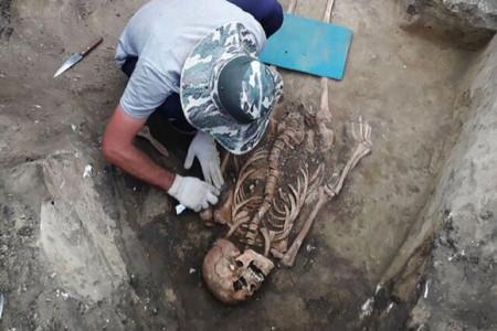 کشف بقایای جسد یک زن باستانی در کنار جواهرات رومی