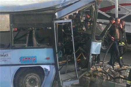 تصادف دو اتوبوس در پل چمران