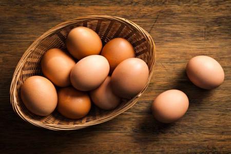 تخم مرغ را تا چه مدتی می توان در یخچال نگهداری کرد؟