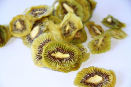 آموزش خشک کردن میوه کیوی + عکس