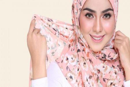 مدل بستن روسری ساده و شیک برای خانم های با حجاب