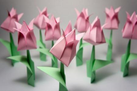 ساخت گل زیبا با هنر اوریگامی مناسب دهه فجر
