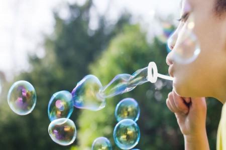آموزش تهیه مایع حباب با صابون و مایع ظرفشویی + فرمول