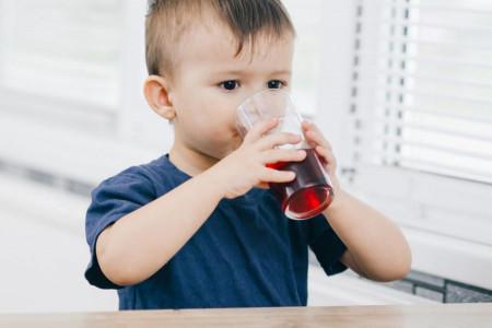 کنترل تب کودکان با آب انار