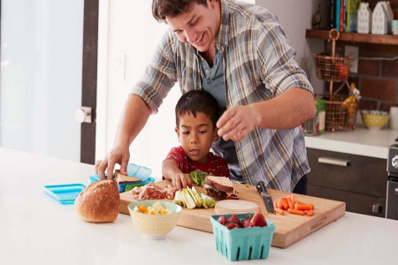 چاق شدن کودک با غذاهای مقوی و جدید