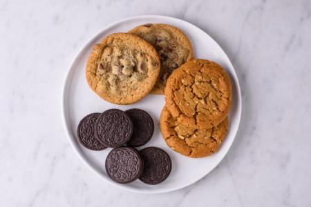 آیا خوردن کیک و شیرینی های رژیمی مانع چاقی میشود؟