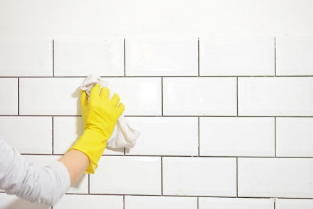 چگونه از تشکیل لکه صابون روی کاشی و سرامیک حمام جلوگیری کنیم؟