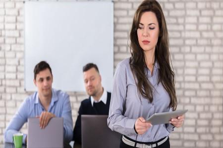 آزار جنسی در محل کار : گزارشی مستند از آزار جنسی 9 زن در محل کار