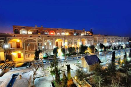 معرفی 20 هتل (2 تا 5 ستاره) در یزد + آدرس و تلفن