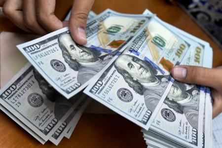 فرق دلار آبی و سفید چیست و چگونه دلار تقلبی را تشخیص دهیم ؟