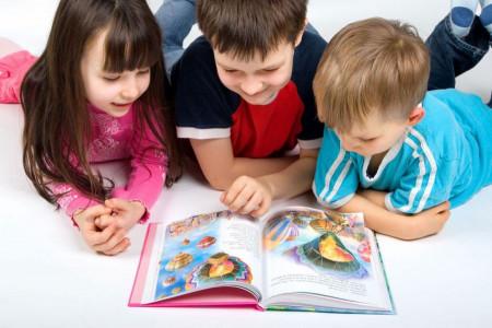 11 شعر کودکانه به مناسبت روز کتاب و کتابخوانی