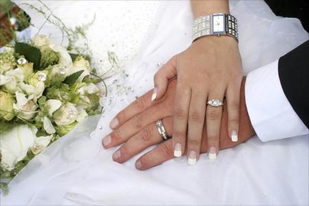 آیا اجازه پدر برای ازدواج موقت دختر باکره لازم است ؟