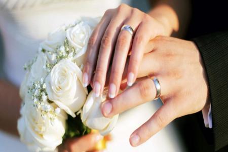 در دوران عقد به زن نفقه تعلق می گیرد ؟