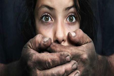 شوهر خاله پس از آزار جنسی دختر 13 ساله او را دار زد ! + جزئیات