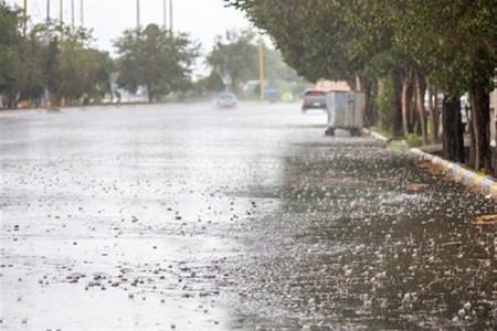 بارش شدید باران و تگرگ در بندرعباس + فیلم