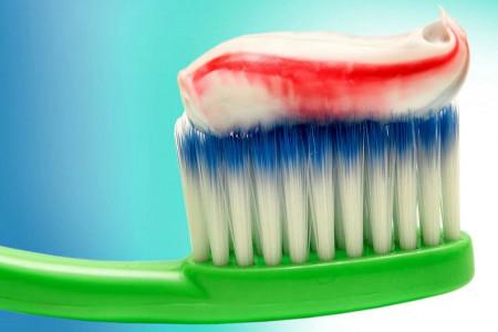 8 مدل خمیر دندان با کیفیت و برتر پونه