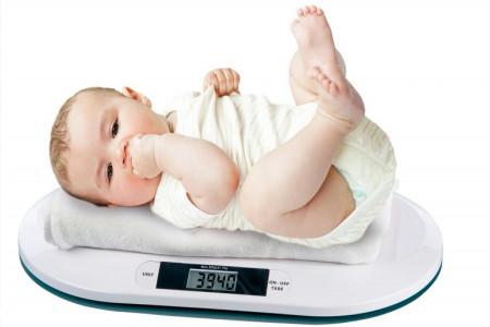 راهنمای انتخاب بهترین شیر خشک برای وزن گیری نوزاد + سوالات متداول