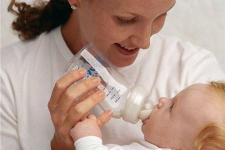 بررسی رابطه یبوست نوزاد با شیر خشک