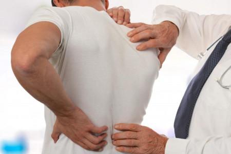 علت کمر درد چیست ؟ راههای درمان درد کمر کدامند ؟