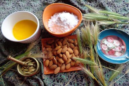 پخت شیرینی حاجی بادام شیرینی سنتی یزدی