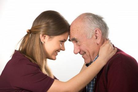 علت سندرم (daddy issue) ارتباط دختران با مردان سن بالا