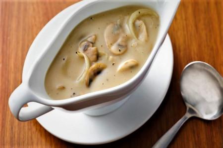 تهیه سس قارچ بدون خامه مناسب استیک و رست بیف