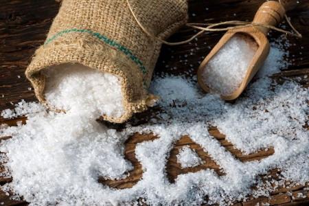 14 کاربرد استفاده از نمک دریا برای بدن