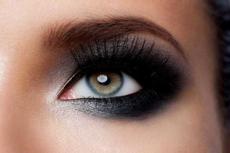 چگونه با آرایش چشم ها را درشت و بزرگ کنیم؟