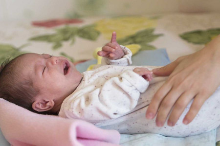 علت کار نکردن شکم نوزاد چیست؟