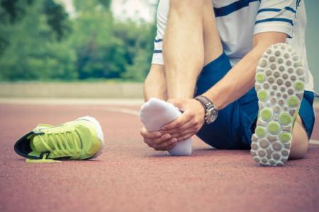 دلیل درد کف پا چیست و آیا قابل درمان است؟