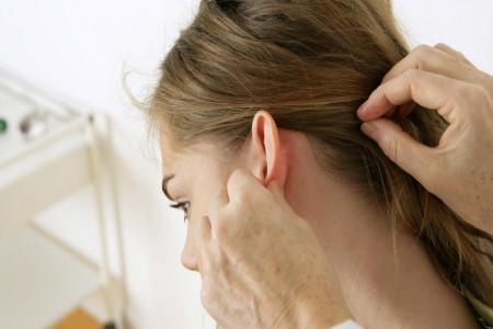 هرآنچه باید در مورد سردرد پشت گوش و درمان آن بدانید