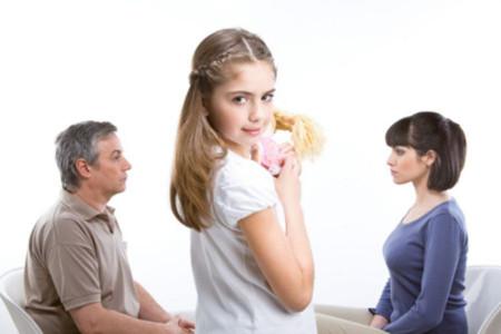 آیا طلاق نگرفتن به خاطر فرزندان صحیح است ؟