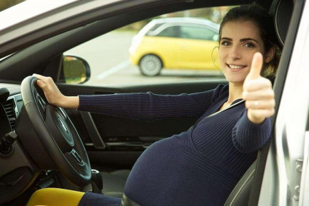 رانندگی در بارداری : آیا رانندگی برای زن باردار ضرر دارد ؟