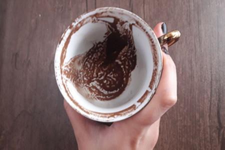 خواندن فال قهوه : تعبیر و تفسیر اشکال مختلف در فال قهوه