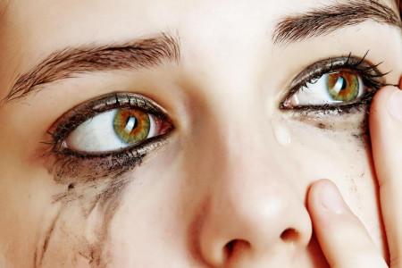 علت و راههای کنترل گریه در شرایط مختلف