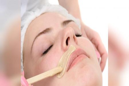 نحوه استفاده از وازلین برای از بین بردن موهای زائد بدن
